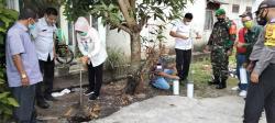 Warga Kelurahan Tuah Madani Buat Lubang Biopori