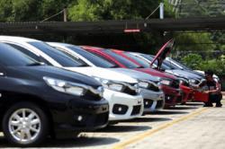 Pemerintah Berusaha Bebaskan Pajak Mobil Baru