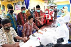 Kades dan Perangkat Desa Se-Tapung Ikut Rapid Test