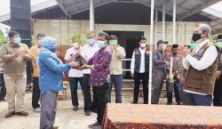 Pengendalian Karhutla Berbasis Tapak, KLHK Serahkan KBD di Dosan, Siak