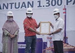 Gubernur Riau Serahkan Penghargaan CSR ke PT PJB UBJ O&M PLTU Tenayan