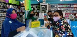 Pedagang Sediakan Vitamin C dan Air Mineral pH Tinggi untuk Customer