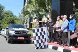 Lepas Paket Sembako Bhakti JPS, Kapolda Sumbar Ingatkan Taat Prokes