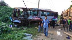 Kecelakaan Maut Bus Karyawan Vs Truk, Satu Tewas, Belasan Penumpang Luka
