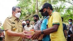 Warga Komunitas Adat Terpencil di Inhil Dapat Bantuan RLH