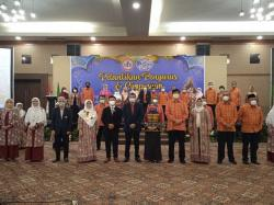 IDI Riau Lantik Elda Nazriati sebagai Ketua PDKI Riau