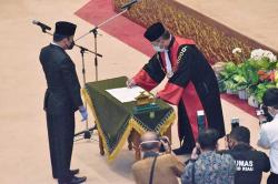 Syafaruddin Poti Resmi Jabat Wakil Ketua DPRD Riau