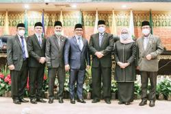 Dua Anggota PAW DPRD Riau Dilantik