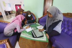 Alat Telekomunikasi Terbatas hingga Kangen Sekolah