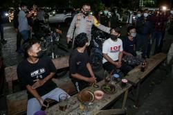 Jokowi Minta Polri dan Mendagri Bersikap Tegas dan Santun