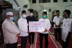 Silaturahmi, Beri Bantuan dan Sampaikan Program Bupati