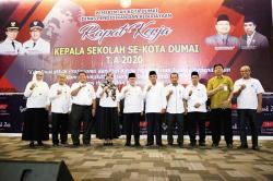 Wali Kota Dumai Hadiri Rakor Kepala Sekolah