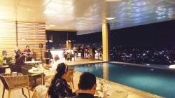 Fox Hotel Hadirkan Foxycoustic Sky Dining