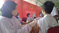 Ratusan Siswa SMP Antusias Ikuti Vaksinasi Covid-19