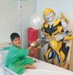 RS Awal Bros Panam Hibur Pasien Anak