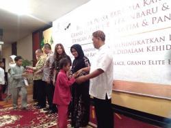 Grand Elite Hotel Ajak Anak Yatim dan Karyawan Buka Puasa Bersama