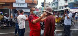 Cegah Penularan Covid19, YMMTI Bagansiapiapi Berikan 10.000 Masker