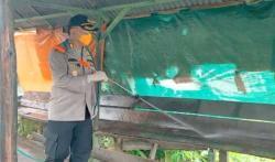 Polres Inhil Semprotkan Disinfektan di Pasar Tradisional