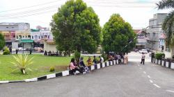 Pengunjung Sidang di PN Rengat Dibubarkan Polisi