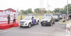 Bagikan Paket Bansos di Posko PPKM di Kota Pekanbaru