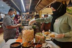 Dapoer Kampung Ramadan Hadirkan 100 Varian Menu Setiap Hari