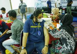 Warga Senang Bisa Ikut Vaksinasi Massal Abujapi-Riau Pos