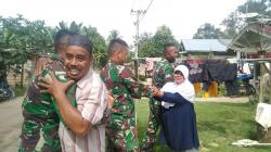 Warga Anggap Tentara Keluarga Sendiri