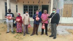 Bantu Tunanetra, Pewarta Foto Indonesia Berbagi di Masa Pandemi