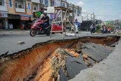 Jalan Amblas, Rumah dan Sekolah Terendam