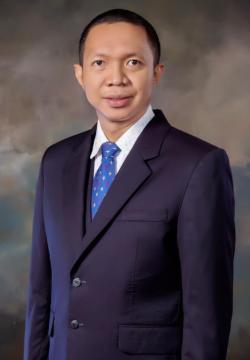 Prahara Yuri Alumni Kedokteran UR Pertama Raih Gelar Konsultan