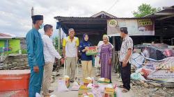 GMRB Rohil Bagikan Paket Sembako di Sinaboi