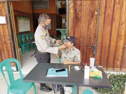Personel Polsek Koto Gasib Kampanyekan Protokol Kesehatan ke Rumah Warga