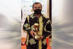 Gubri Raih Penghargaan Top Pembina BUMD