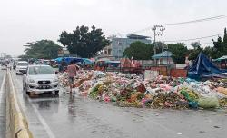 Tumpukan Sampah Menjamur