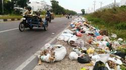 Dua Pekan Sampah Tak Diangkut