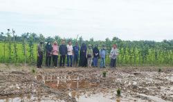 Dosen Faperta Unri Kembangkan Sistem Pertanian LEISA