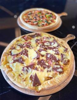 Beli 3 Pizza, Novotel Pekanbaru akan Kirimkan 4 Loyang Pizza