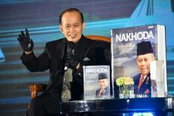 Syarief Hasan Luncurkan Buku Authorized Biography Nakhoda Menatap Laut