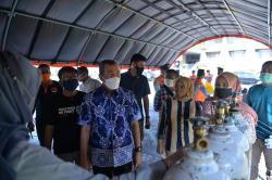 Halaman Kantor Gubernur Dijadikan Lokasi Isi Ulang Tabung Oksigen