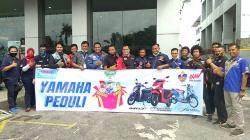 Yamaha Alfa Scorpii Berikan Bantuan Sembako untuk Komunitas Yamaha dan Awak Media