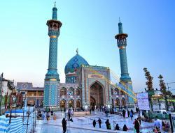 Iran Buka Masjid untuk Malam Lailatul Qadar