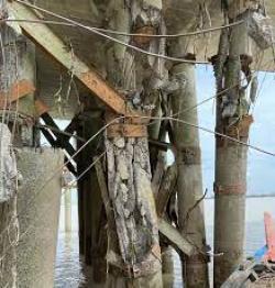 Tim Kementerian PUPR dan KKTJT Cek Kondisi Jembatan Padamaran