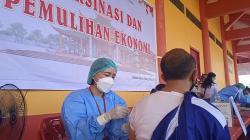 Warga Antusias ikuti Vaksinasi di Kwan Tee Kong Bio