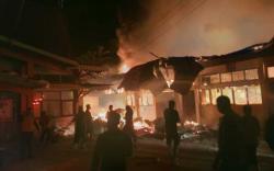 UPT Gudang Farmasi Dinkes Inhu Ludes Terbakar