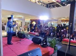 Gubri dan 5 Kepala Daerah Se-Riau Terima SPS Award