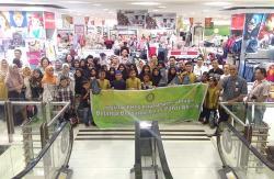 BMPD Riau Ajak Anak Yatim Belanja