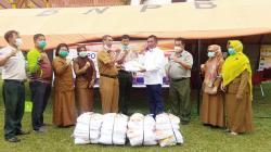 LPJKP Riau Berikan Bantuan APD untuk 21 Puskesmas di Pekanbaru