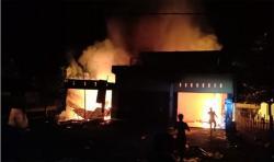 Ruko dan Satu Mobil Terbakar di Kuansing