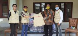 Satgas Covid-19 PMRJ Salurkan Sembako ke Mahasiswa dan Masyarakat Riau di Jakarta