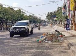 Tumpukan Sampah Ganggu Kenyamanan Warga